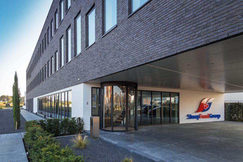 Nieuwbouw bedrijfshal en kantoor Staay Food Group te Papendrecht Entree BOAG